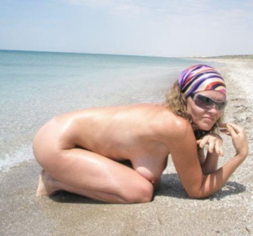 Зрелые домохозяйки голые дома и на пляже - секс порно фото