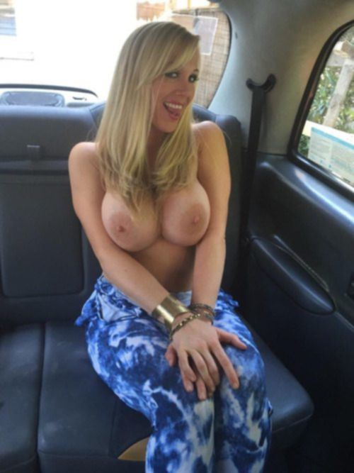 Грудастые особы позируют голышом перед камерами партнеров - секс порно фото