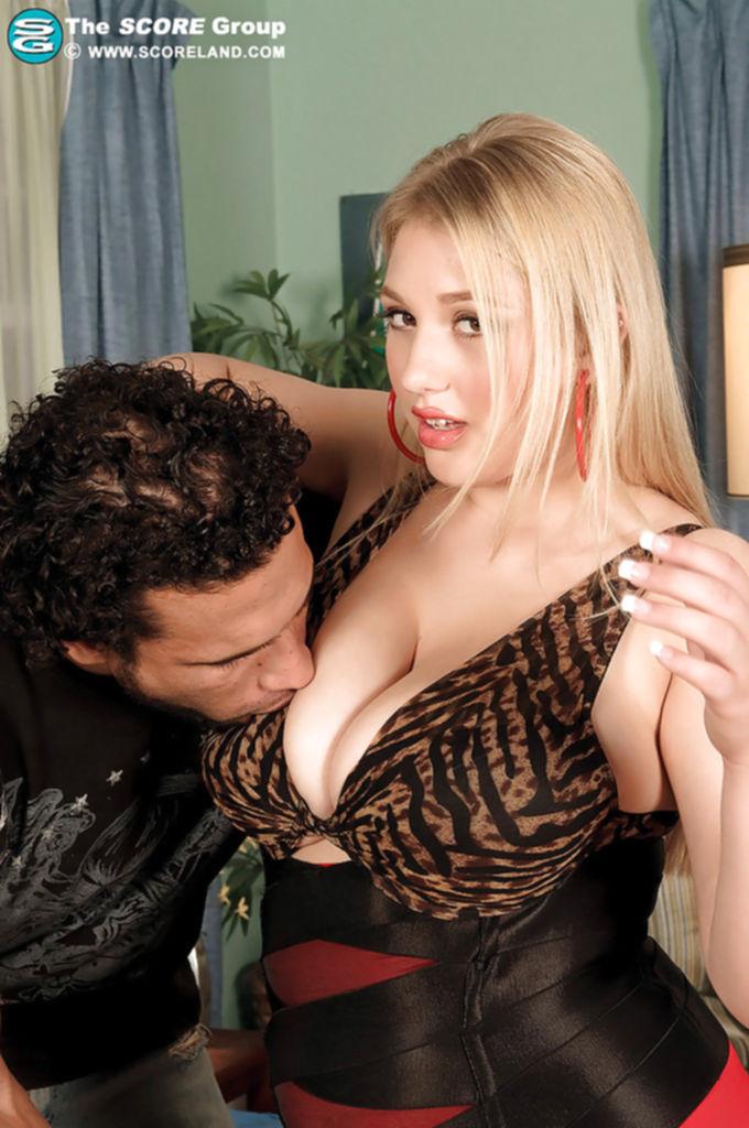Толстушка Shyla Shy пришла на примерку к бразильцу - секс порно фото
