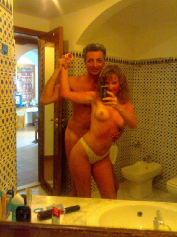 Молодая любовница трахается с зрелым моряком - секс порно фото