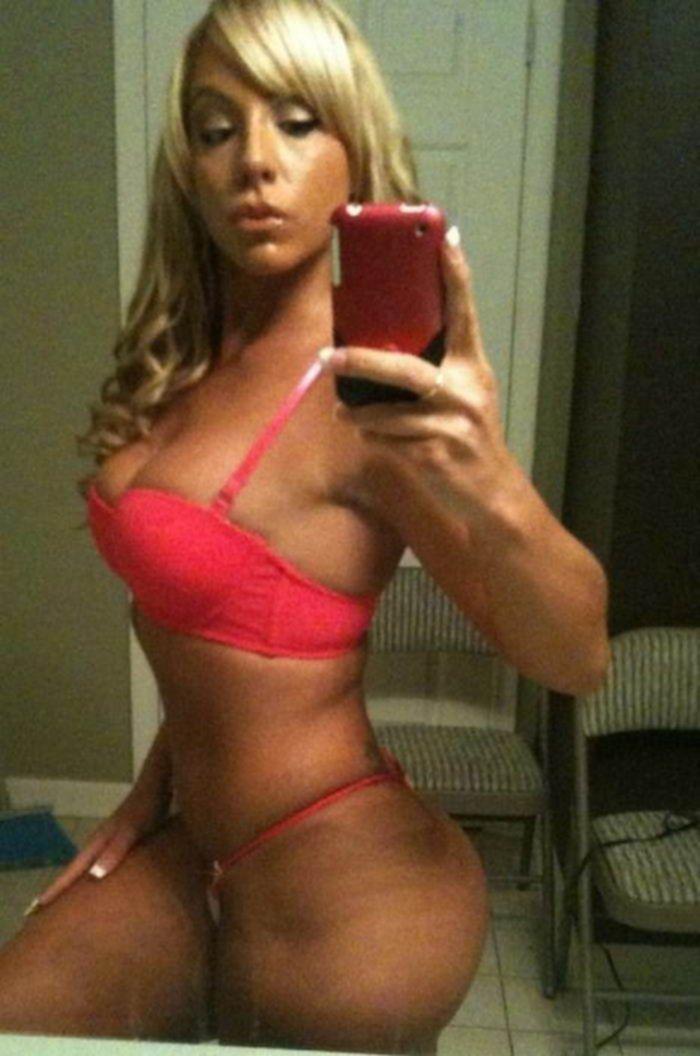 Домашнее селфи грудастых красоток - секс порно фото