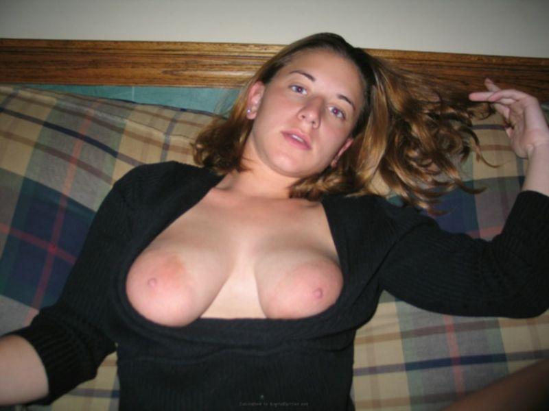 В сладкую вагину входит член - секс порно фото