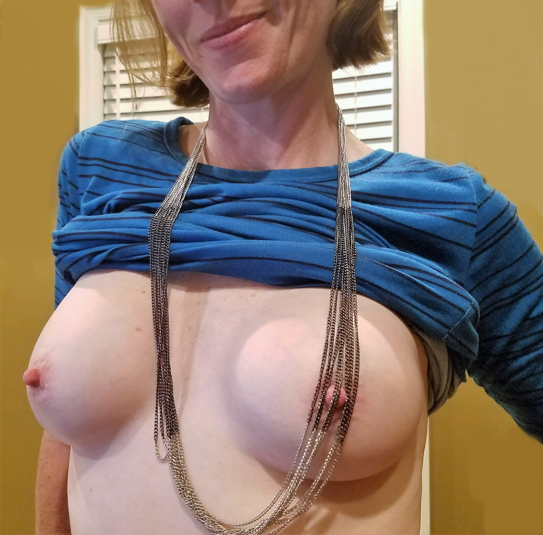 Подборка грудастых особ с волосатыми кисками - секс порно фото