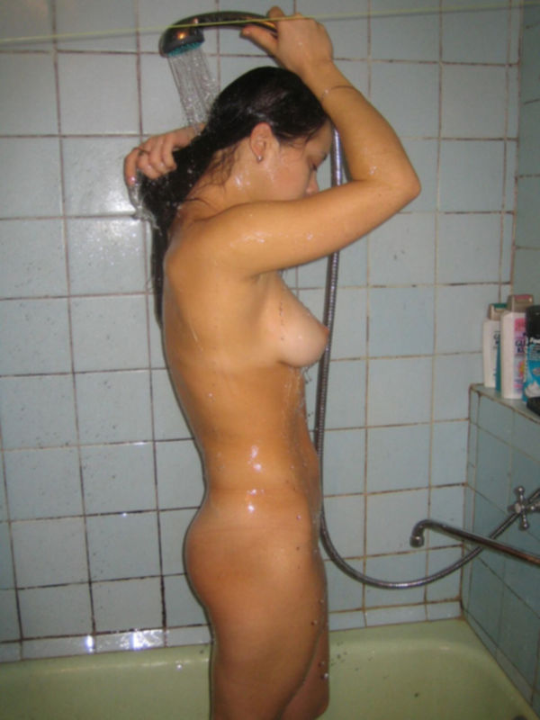 Сборник домашних снимков молодой брюнетки - секс порно фото
