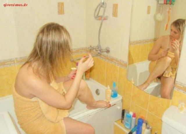 Подборка домашних снимков жопастой мамы из Ростова - секс порно фото