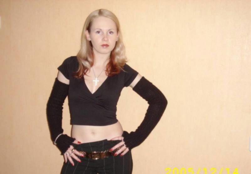 Русская разведенка примеряет эро белье на камеру для любовника - секс порно фото