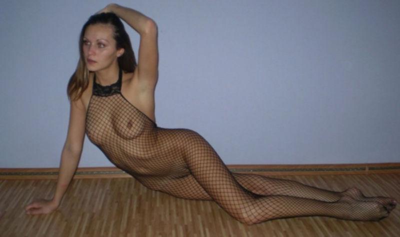 Гимнастка из России лижет большой член - секс порно фото
