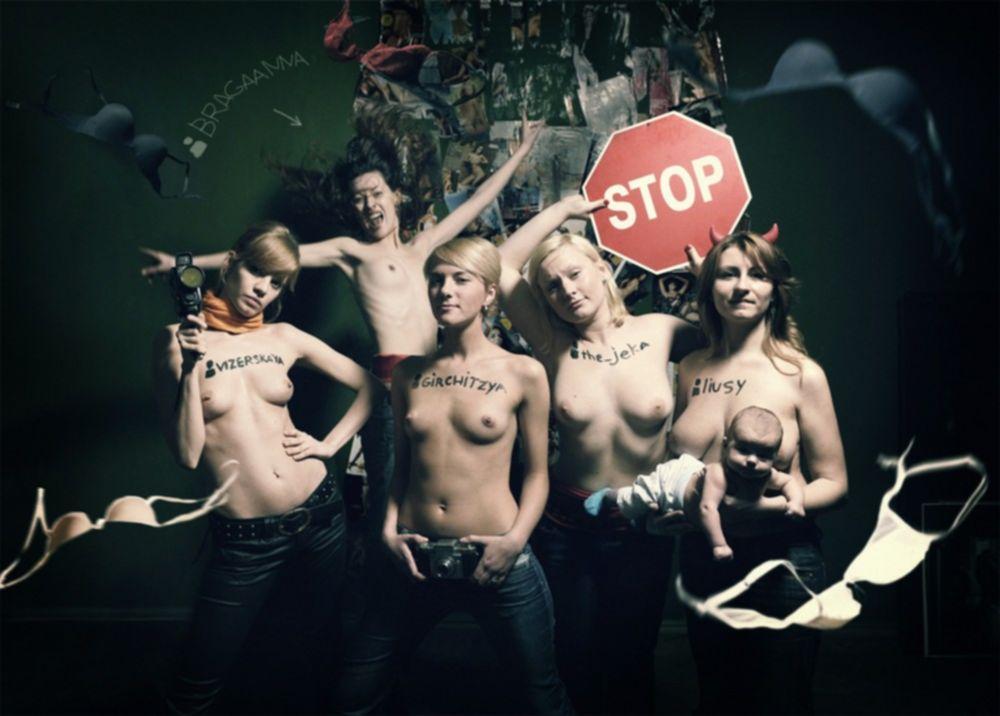 Похотливые студентки и выпускницы ВУЗов США делают голые селфи - секс порно фото