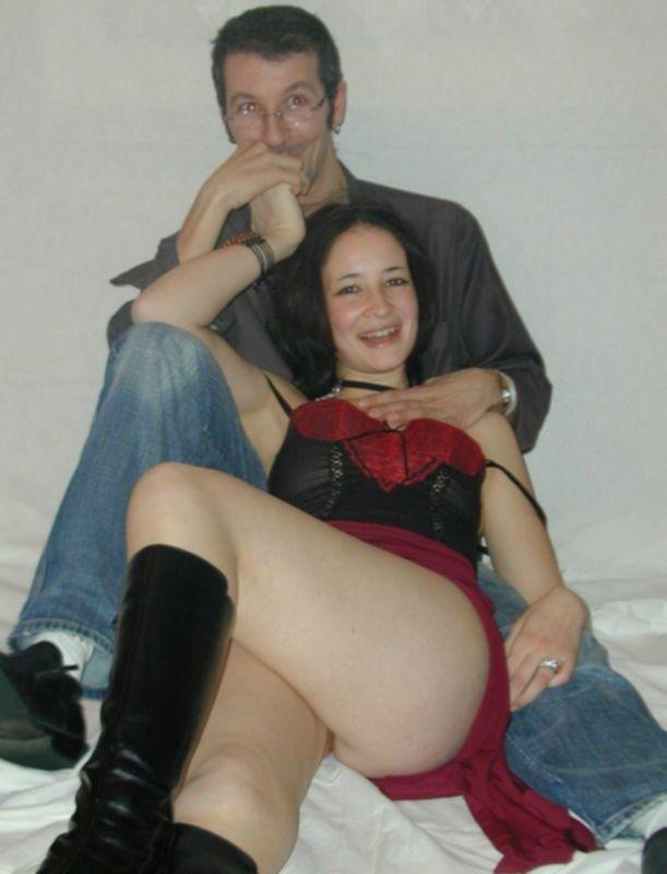 Бисексуалка из Европы занимается сексом с бойфрендом и подругой - секс порно фото