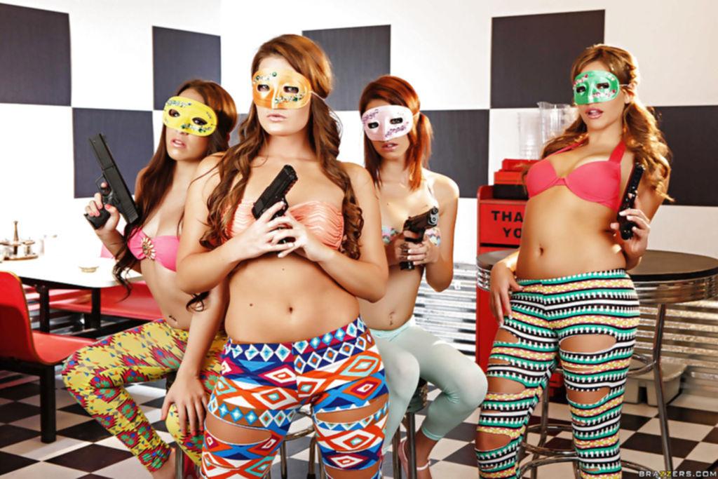 4 девушки с пышными попами сняли разноцветные лосины в кафе - секс порно фото